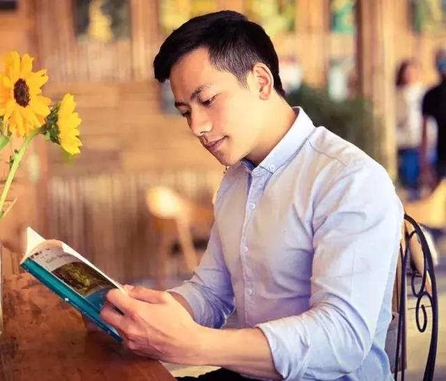 越南最帅男神老师走红,模特身材加明星颜值!